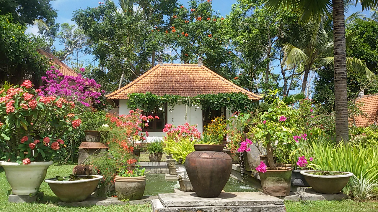 Bukit Asri Lodge Bungalow in East Bali