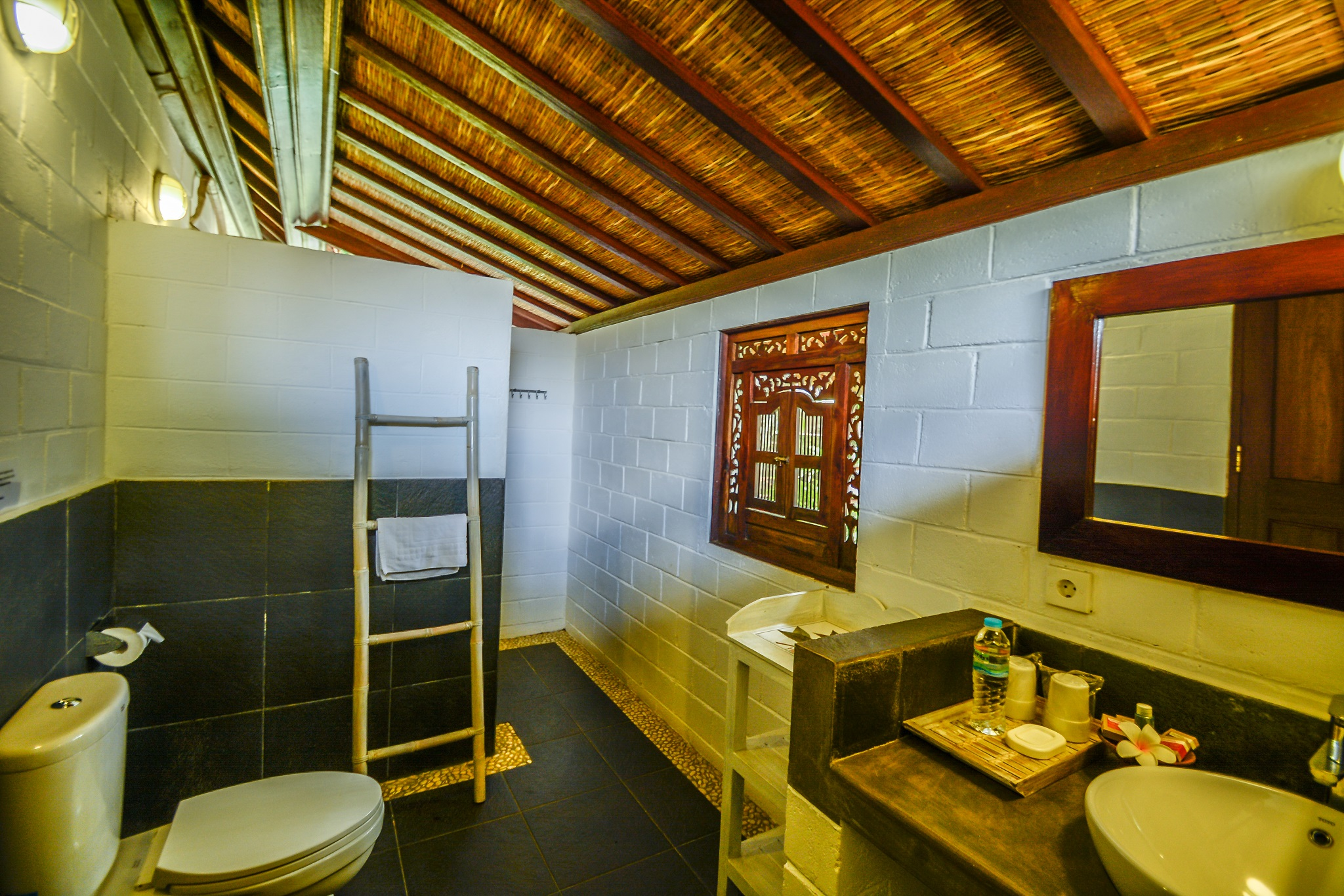Bukit Asri Lodge Bungalows in East Bali